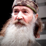 'DUCK DYNASTY' STAR DEFENDS ANTI-GAY REMARKS AS RATINGS CONTINUE TO DROP